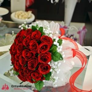 kırmızı renkte 2016 Söz Çiçeği